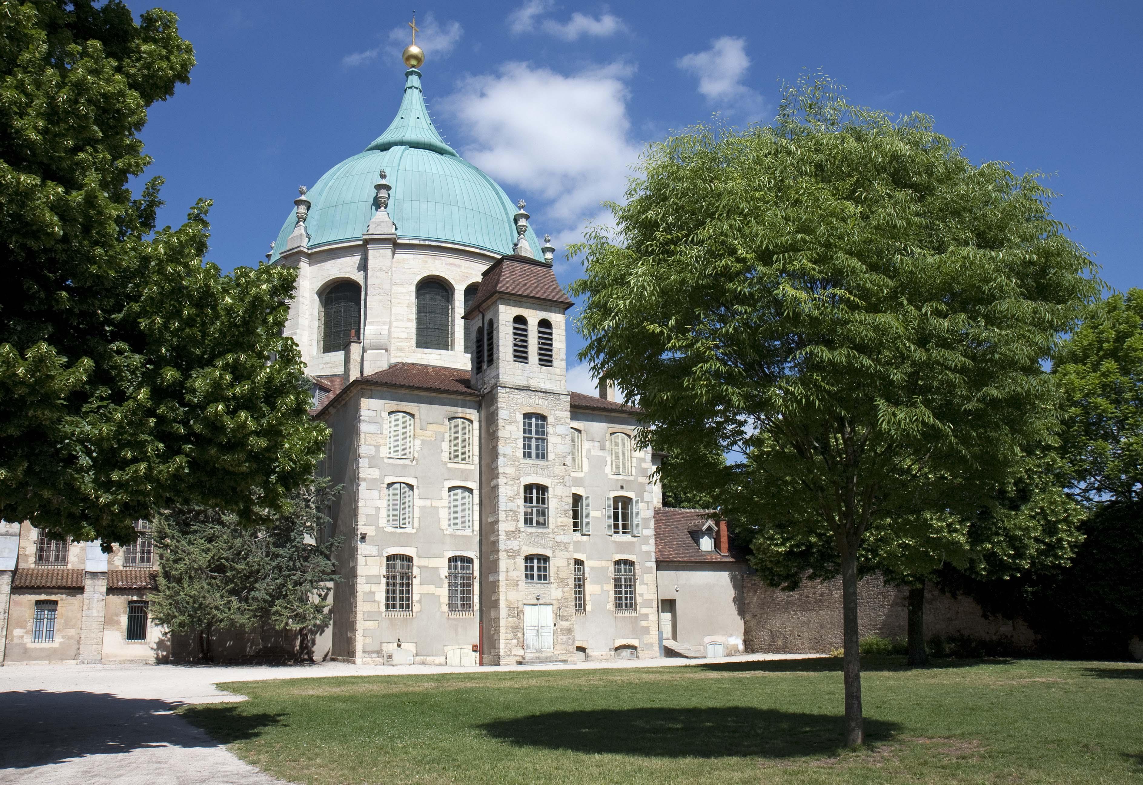 Extérieur église Sainte-Anne