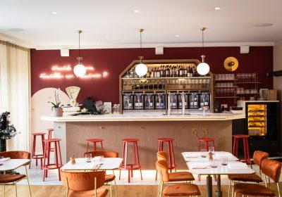 Castel de Très Girard Restaurant-Hôtel - 2