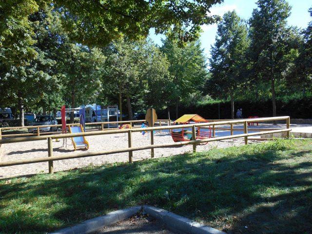 terrain de jeux pour enfants