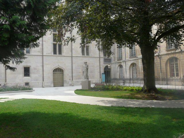 Office de Tourisme de Dijon Métropole – Service Guides - 4