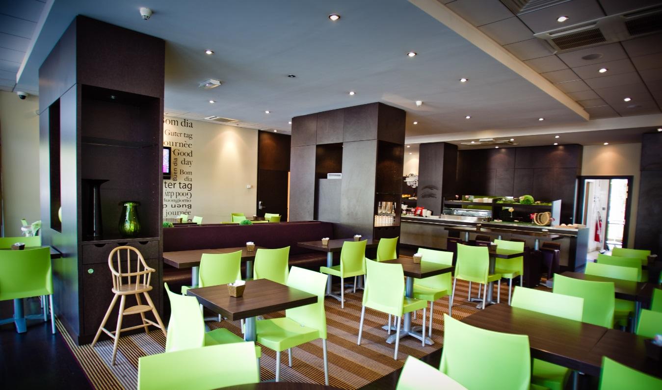 salle petit déjeuner Ibis Clémenceau