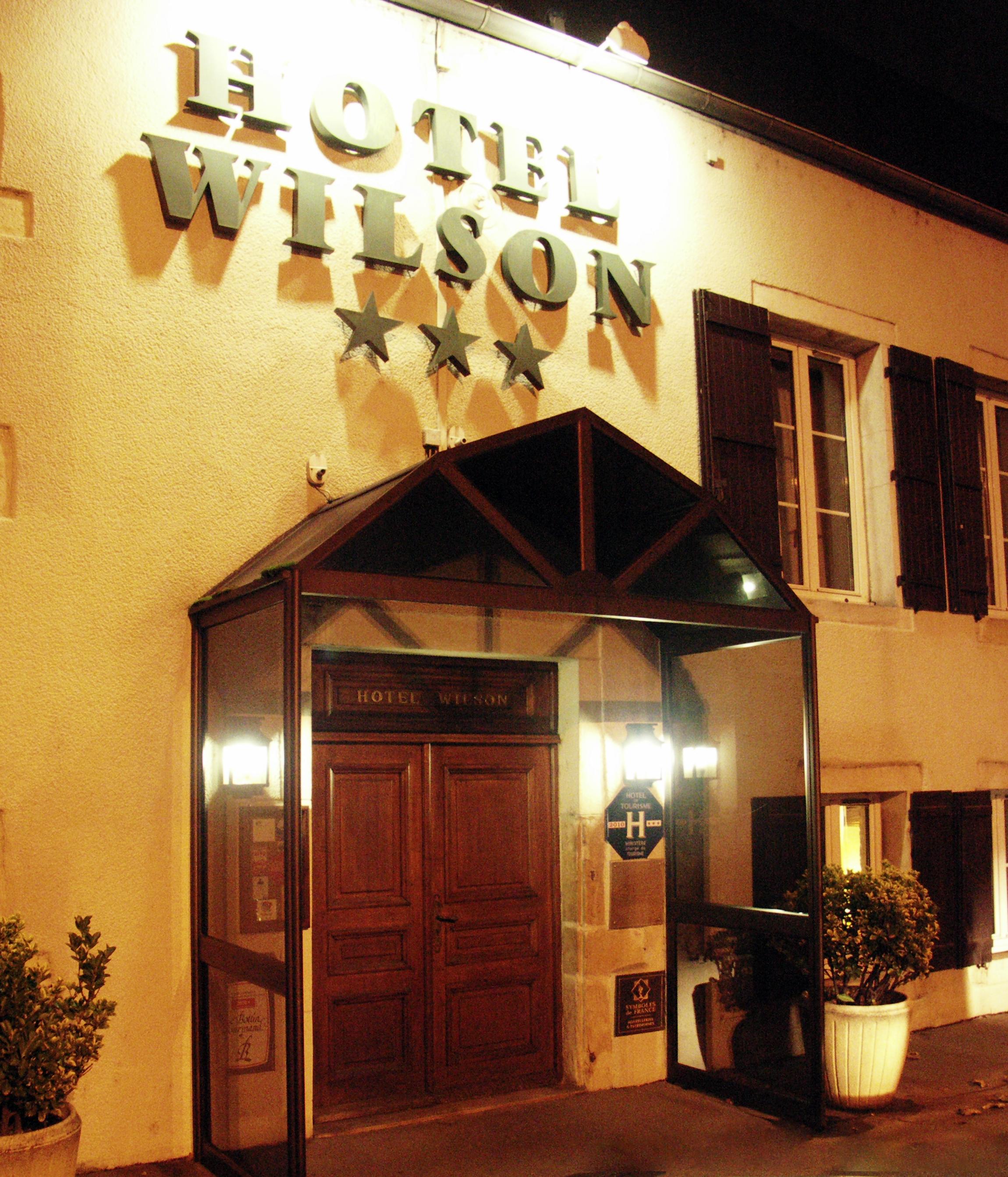 Entrée place Wilson