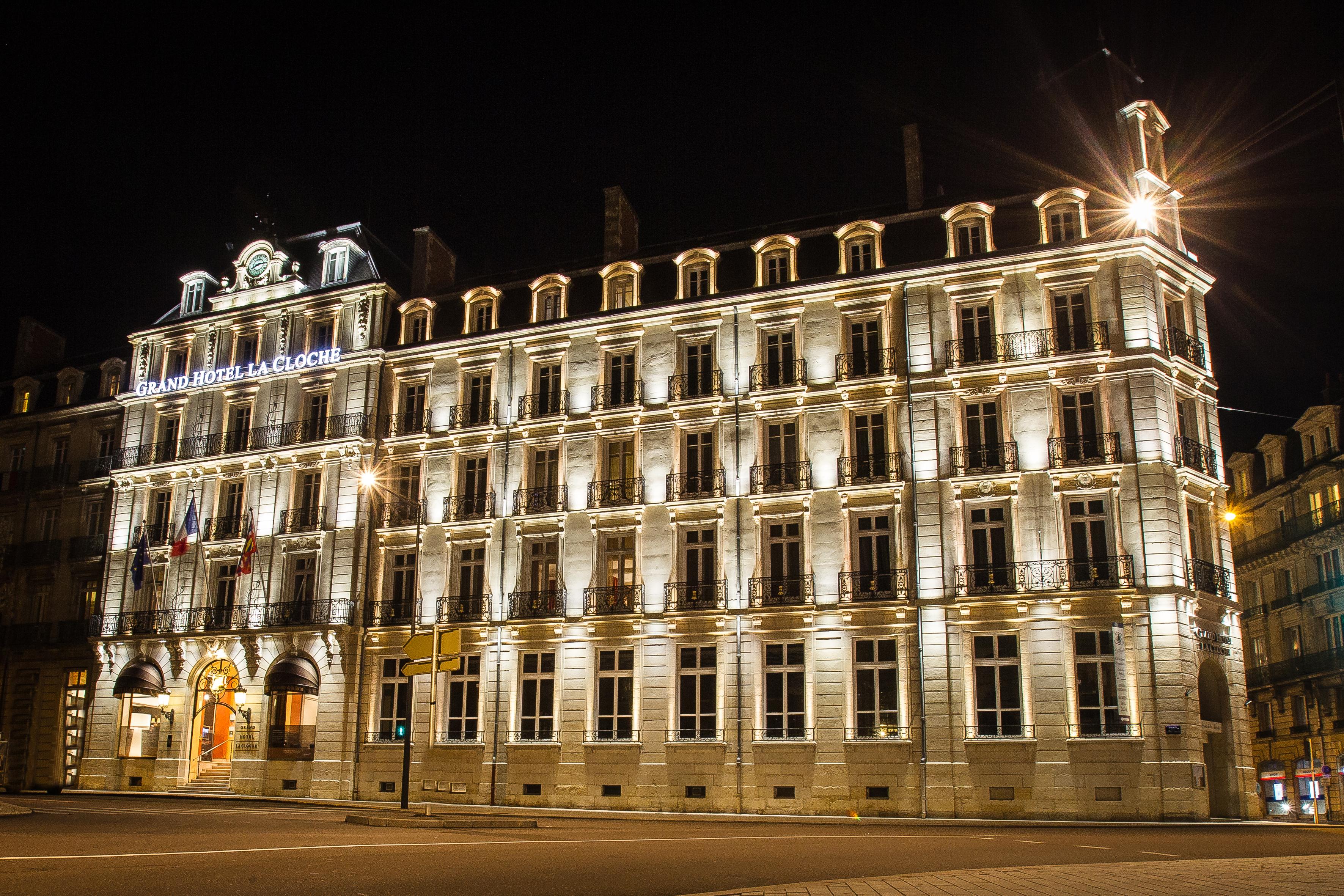 Façade Grand Hôtel La Cloche