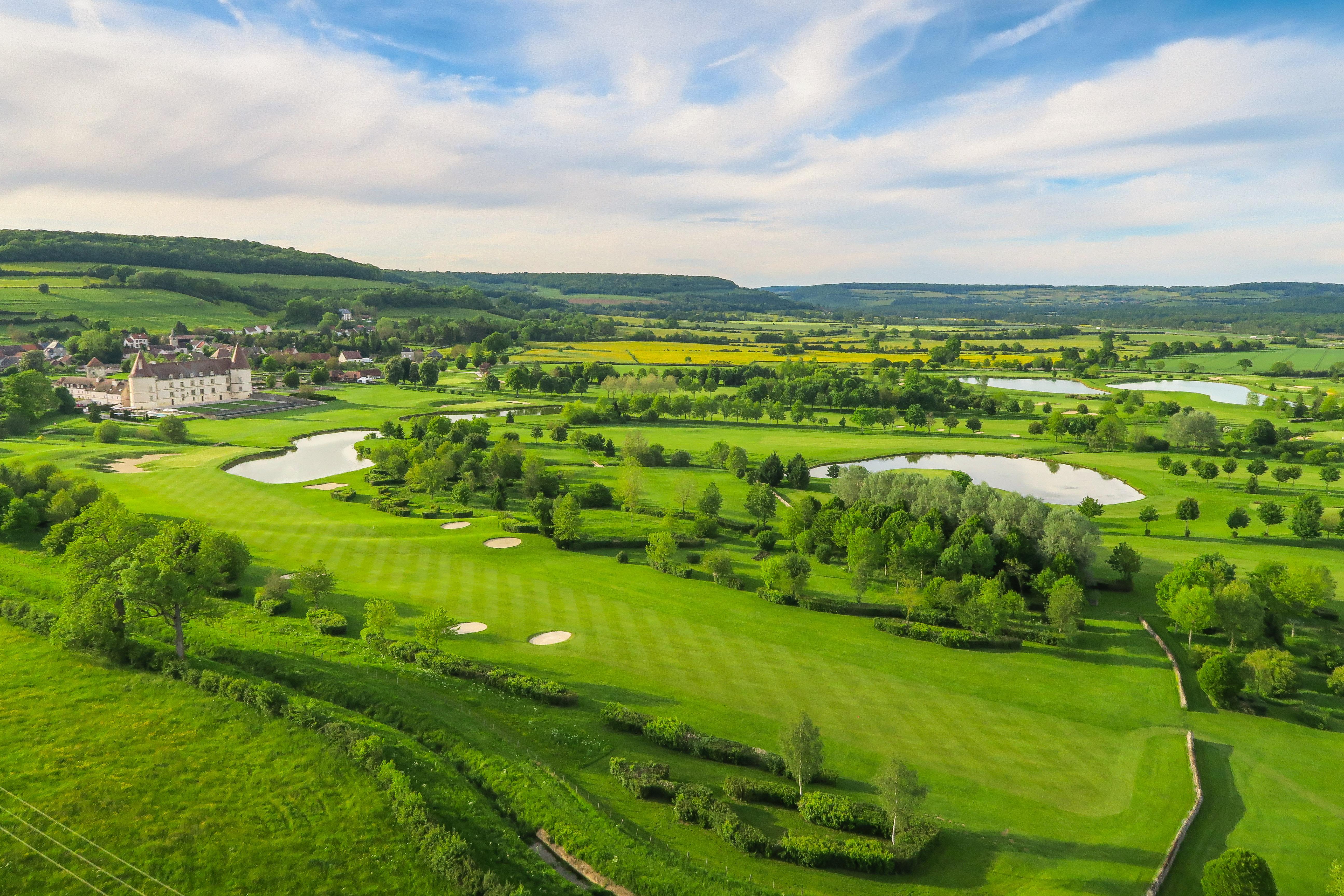 Hotel & Golf Aerial 1