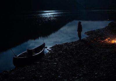 Exposition de photos « Et le loup continue de courir dans les forêts d'Alaska » – par Antonin Charbouillot - 0
