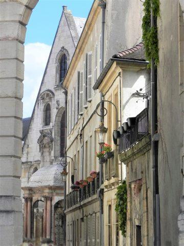 Rue-du-Palais