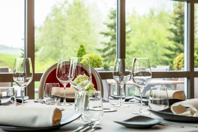 Sainte-Sabine-salle-de-restaurant