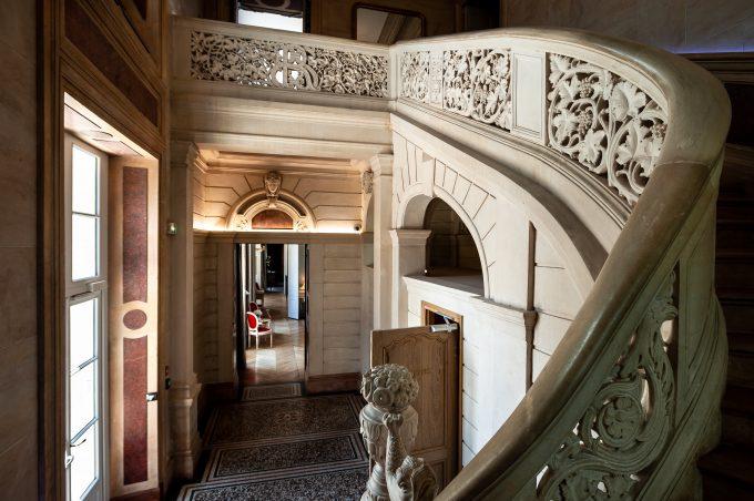 Sainte-Sabine-escalier-2