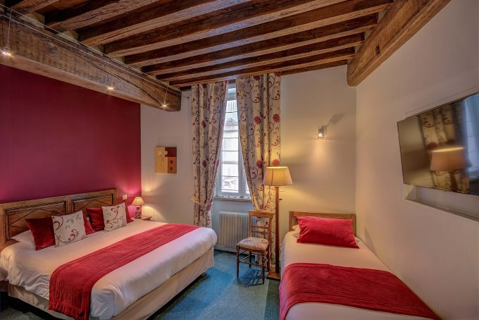 chambre-triple-hotel-wilson-dijon-3