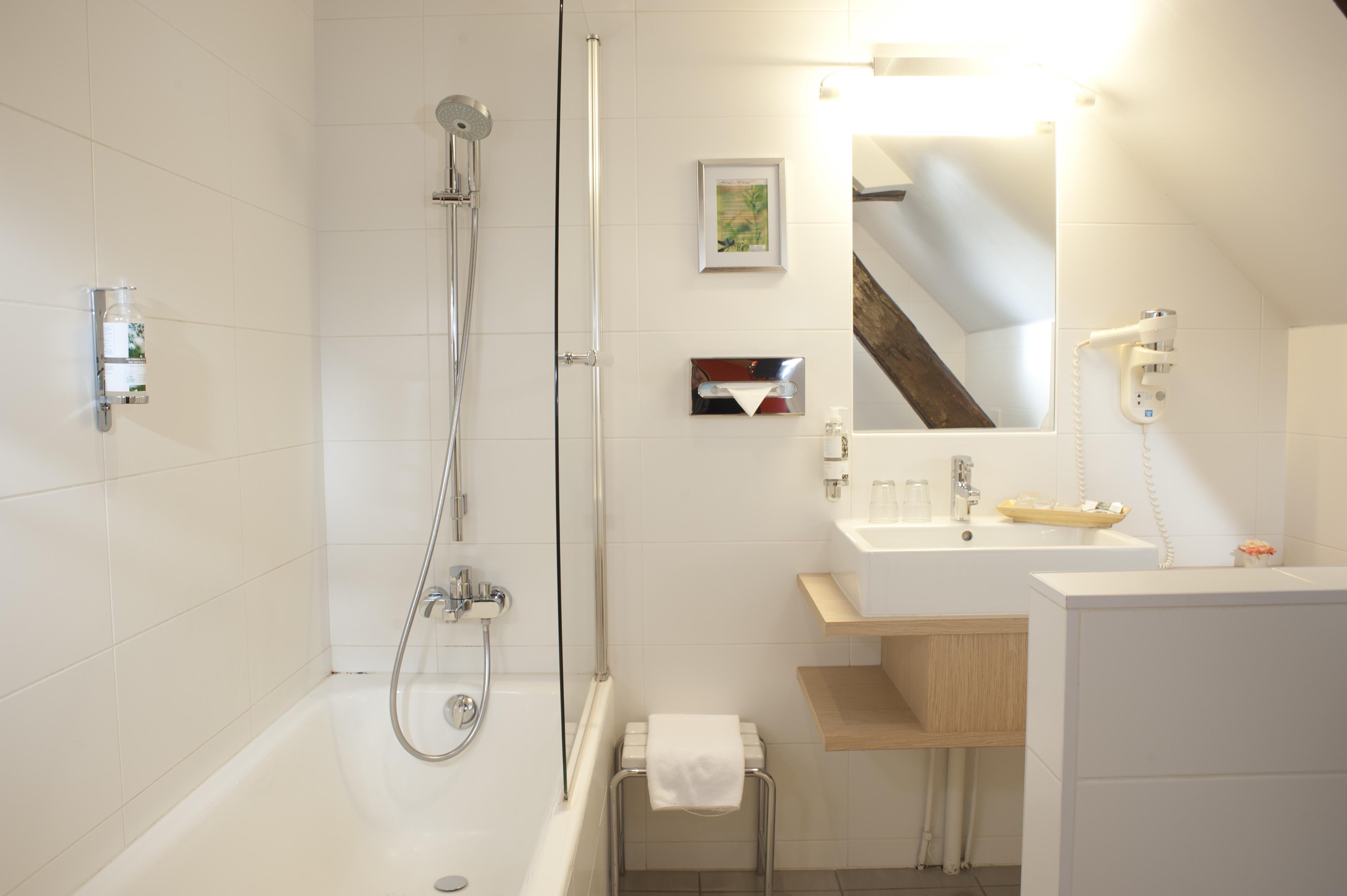 salle-de-bain-hotel-wilson-dijon-classique