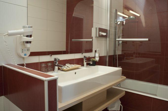 salle-de-bain-hotel-wilson-dijon-superieure